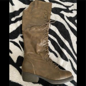 Super cute brown lace up boots size 7 1/2